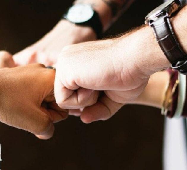 Header - Equipe diversifiée unie